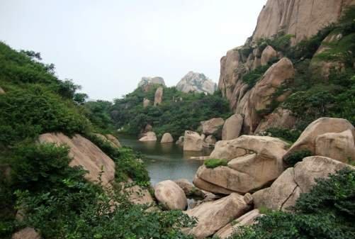 武汉到嵖岈山旅游 河南嵖岈山、南街村二日游