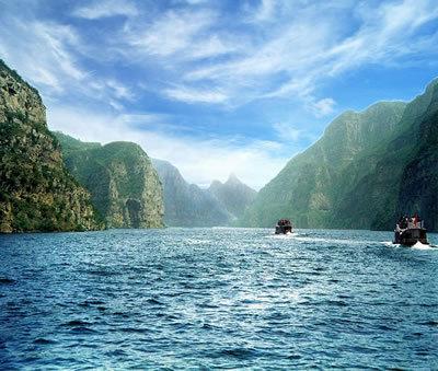西安--龙潭大峡谷  黄河小浪底二日游