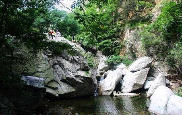 郑州出发到平顶山中原大佛、龙潭峡一日游龙潭峡旅游