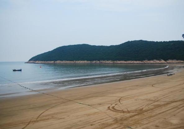 象山松兰山海滨浴场、石浦渔港、四窗岩皮筏漂流二日游