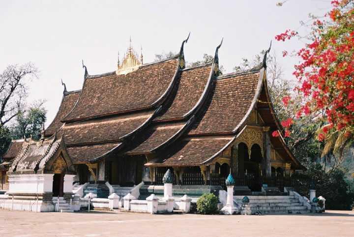 <老挝琅勃拉邦、万荣、6晚7天休闲自驾游>春节计划