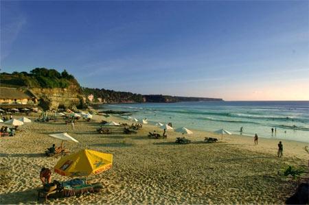 巴厘岛旅游团:南湾、乌布皇宫、海龟岛、海神庙5晚7天旅游
