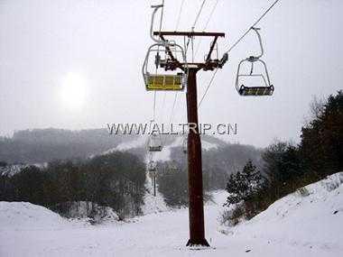 乌吉密滑雪二日游