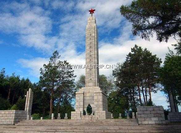 苏联红军烈士纪念塔 图片