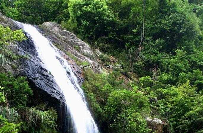 德天瀑布、通灵峡谷、边关地下长城、龙宫仙境纯玩二日游