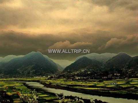 北京到贵州旅游:贵州黄果树大瀑布、贵定音寨金海雪山、天星桥景区七日游