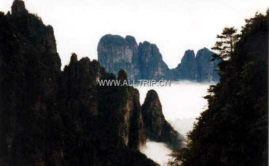 东莞到荔浦丰鱼岩、漓江风光、印象桂林汽车二晚三天游