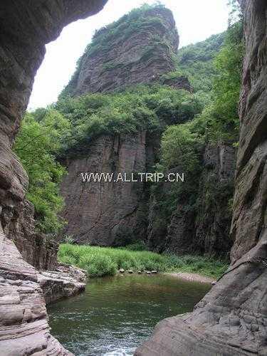 龙潭大峡谷两日游