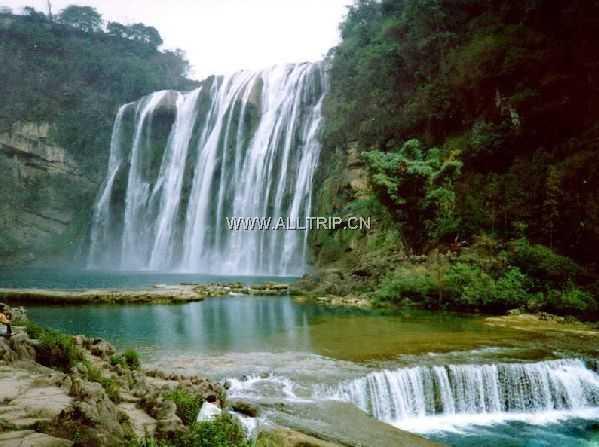 武汉出发贵阳黄果树瀑布天龙屯堡双卧五日游