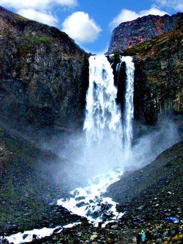 东北旅游线路:吉林松花湖、原始森林、镜泊湖、长白山双卧5日游
