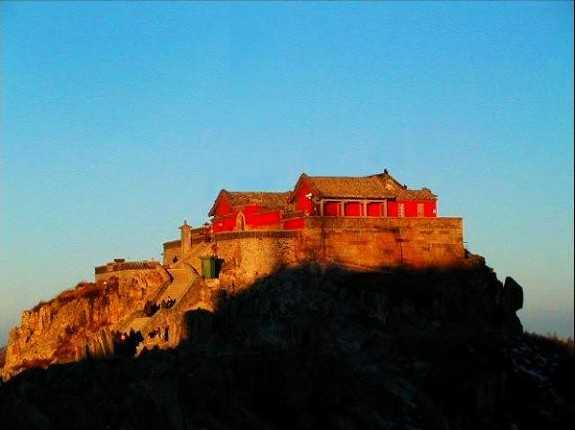 北京到山东泰山、曲阜、啤酒生肖乐园卧动3日旅游
