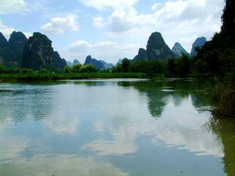 北京到桂林旅游|南宁 德天瀑布 通灵 巴马长寿之乡双飞6日游