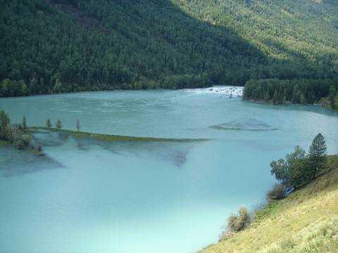 北京到新疆旅游 新疆双飞八日游 天山天池 吐鲁番 金山喀纳斯