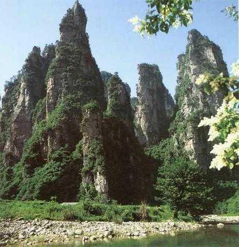 武汉到张家界旅游报价 张家界天子山空调汽卧四日游