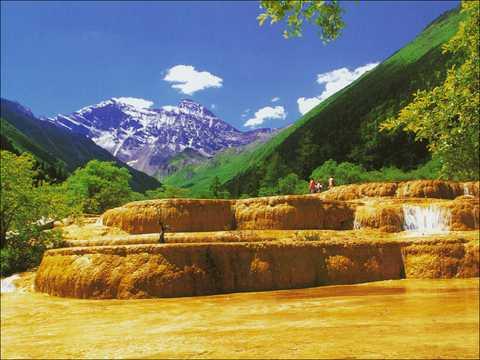 四川旅游线路:九寨沟、黄龙、牟托羌寨、特色藏寨双飞6日旅游