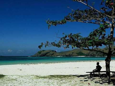 巴厘岛旅游景点:蓝梦岛、乌布皇宫、海神庙库塔海滩5晚7天旅游