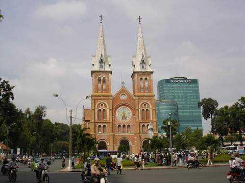 <路易皇后岛豪华4飞5晚6天游(半自由行)>特别加赠西贡市区游