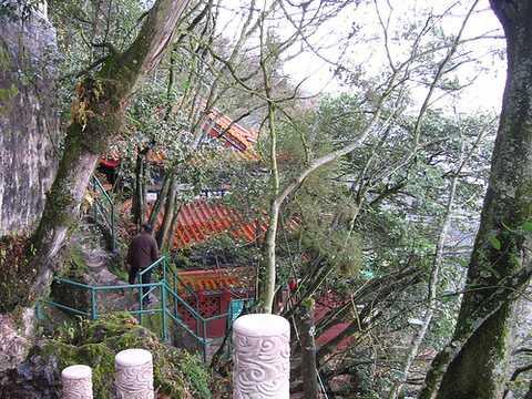南京到昆明、抚仙湖、普者黑、弥勒、石林杏林大观园5晚6天休闲