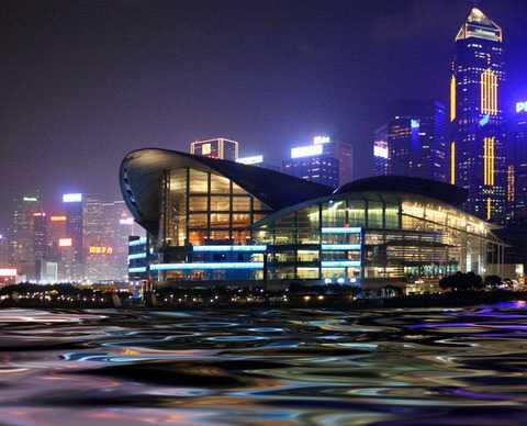 北京到香港澳门黄大仙、浅水湾、星光大道大三巴威尼斯4天旅游