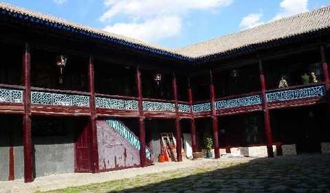 西宁 青海湖 塔尔寺 银川沙湖 西夏王陵 西部影视城 八日游