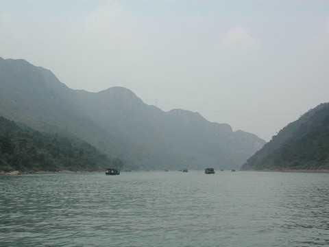 清远玄真漂流、香草世界、清新温泉、溯溪探险、北江小三峡二天游