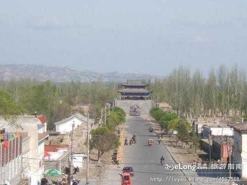 北京到伊犁旅游报价:那拉提大草原卧飞八日