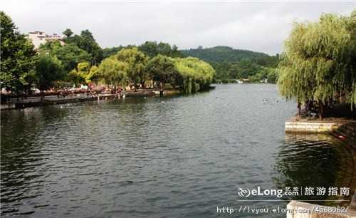 西安到贵州 黄果树 遵义 天河潭双卧6天游