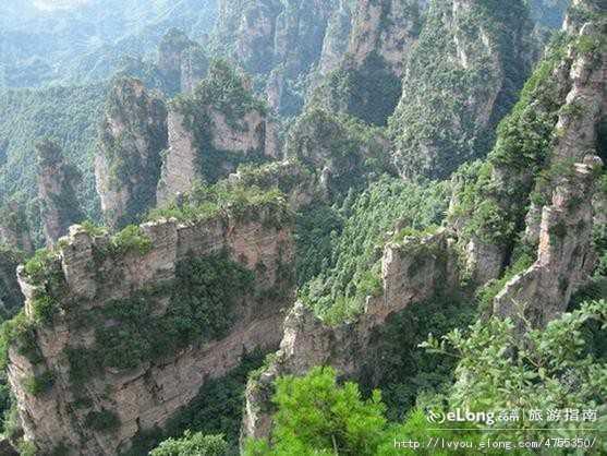 北京到长沙、韶山、张家界、凤凰古城、天门山、黄龙洞双卧7日游