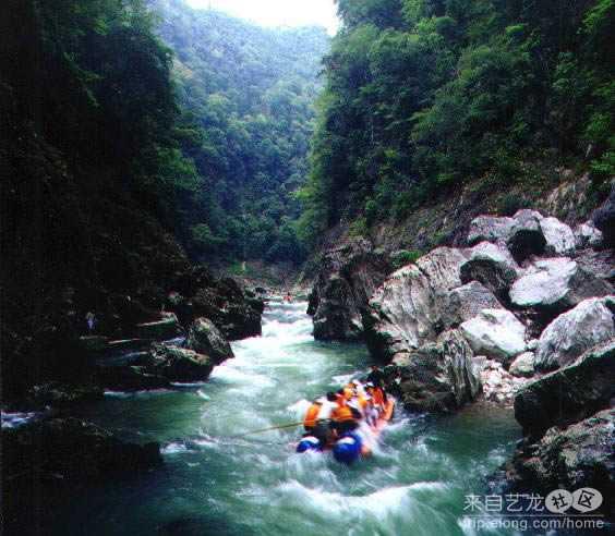 夏季旅游 杭州到张家界、天子山、芙蓉镇、凤凰古城双飞5日游