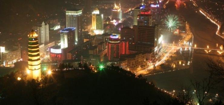 哈尔滨出发到西安兵马俑、华清池、延安壶口瀑布明城墙双飞6日游