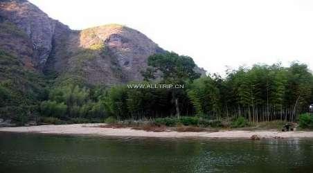 景点简介:                               属省级风景区,会昌汉仙岩