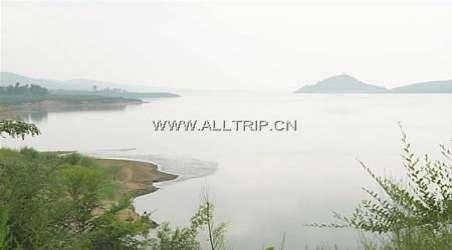 所属地区: 景点简介:                               燕山湖风景区