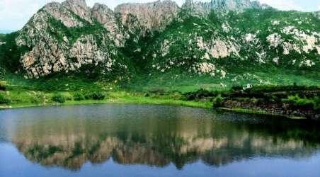 景点简介:                               去天崮山旅游风景区的n大