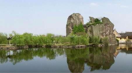 羊山石佛风景区,是绍兴颇具特色的风景区,位于浙江省绍兴县