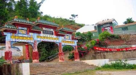 景点简介:                               连滩张公庙位于镇区,距