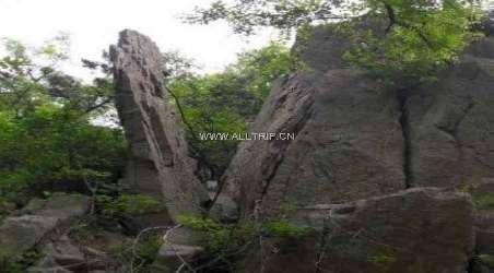 青岛铁橛山风景区位于青岛胶南