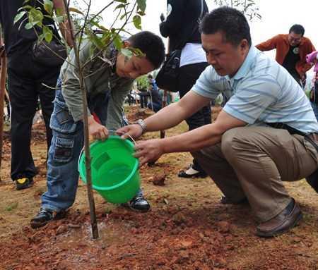秦岭野生动物园+植树活动一日游