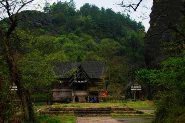 广西隆安龙虎山_广西隆安县龙虎山20111026